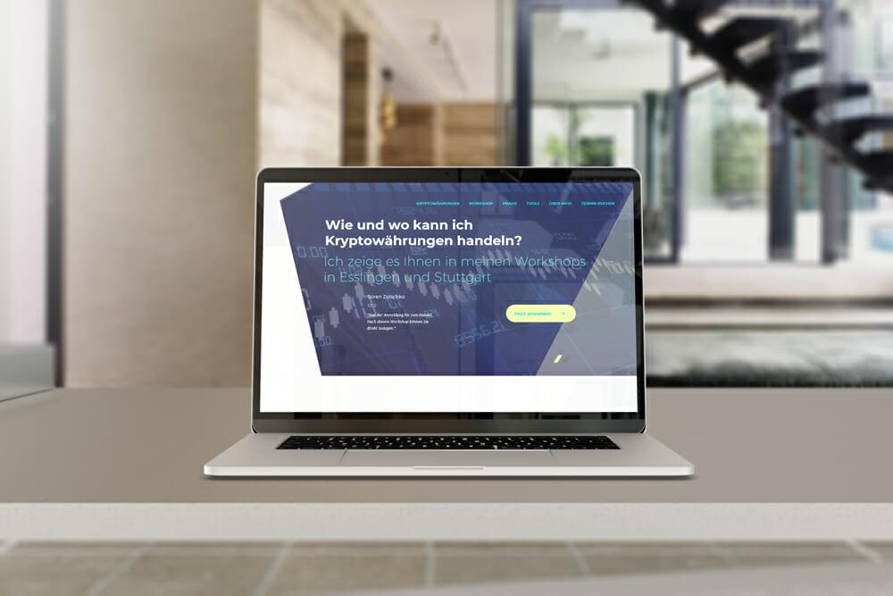 erfolg-mit-krypto_referenz_laptop-ansicht