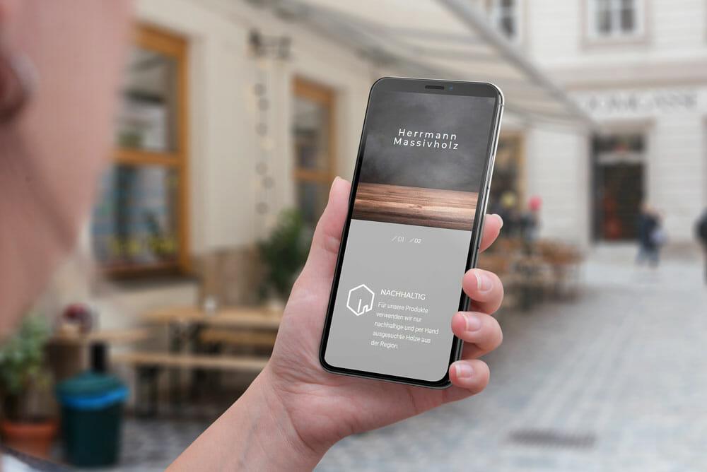 adzurro_referenz_herrmann-massivholz_smartphone