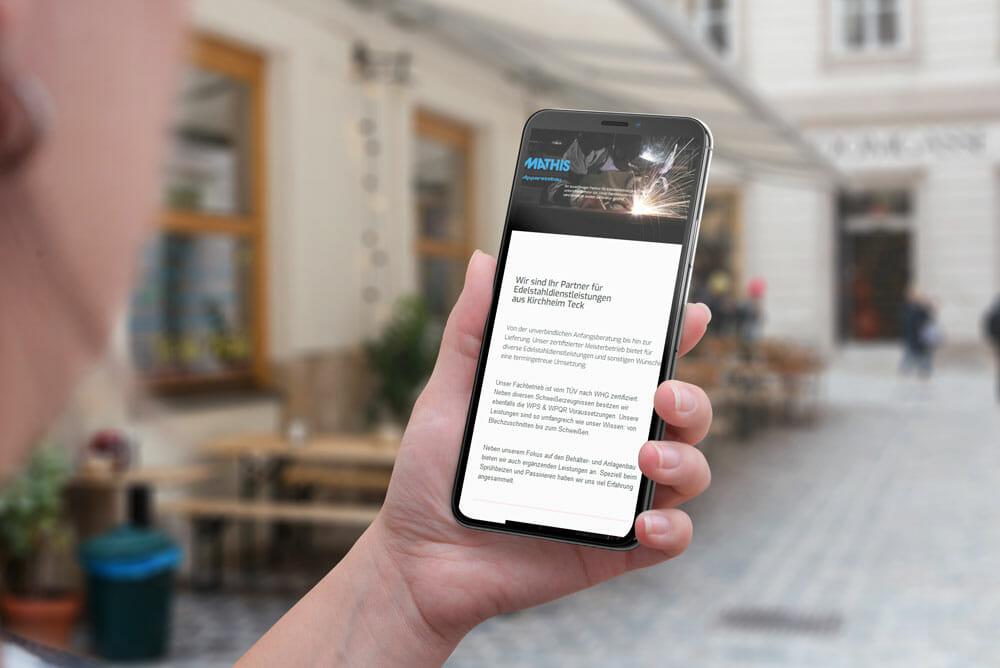 adzurro_referenz_mathis_smartphone